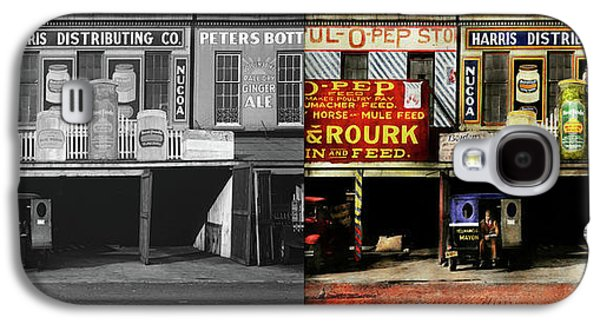 Americana - Signs - Feeding Time 1936 - Side By Side Galaxy S4 Case by Mike Savad