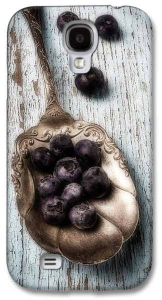Antique Spoon And Buleberries Galaxy S4 Case by Garry Gay