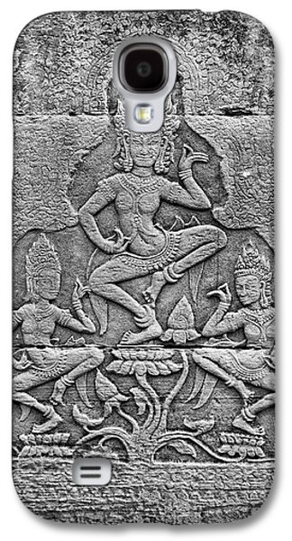 Galaxy S4 Case featuring the photograph Apsaras 3, Angkor, 2014 by Hitendra SINKAR