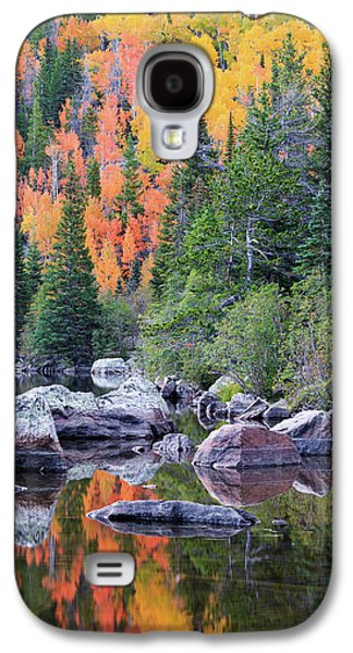 Galaxy S4 Case featuring the photograph Autumn At Bear Lake by David Chandler