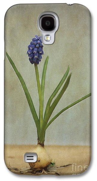 Baby's Breath Galaxy S4 Case by Robert Brown