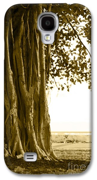 Banyan Surfer - Triptych  Part 2 Of 3 Galaxy S4 Case