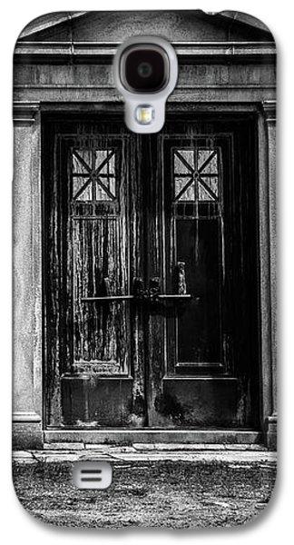 Bar Across The Door Galaxy S4 Case by Bob Orsillo