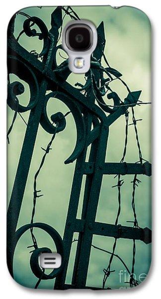 Barbed Wire Gate Galaxy S4 Case by Carlos Caetano