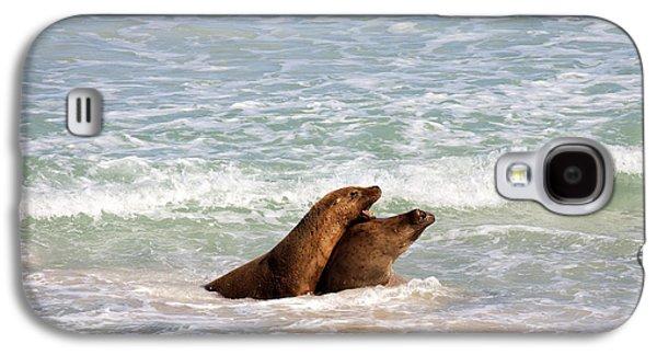 Kangaroo Galaxy S4 Case - Battle For The Beach by Mike  Dawson