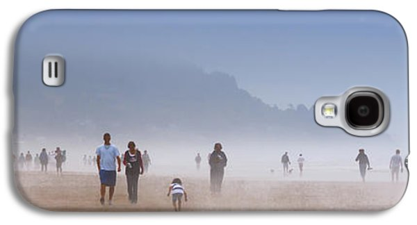 Beachcombers On Cannon Beach Galaxy S4 Case by David Patterson