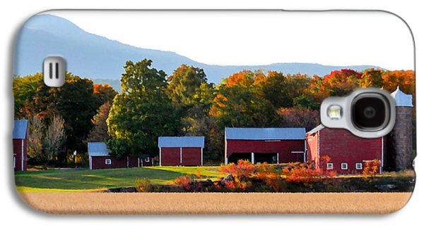 Beautiful Red Barn 4 Galaxy S4 Case by Lanjee Chee