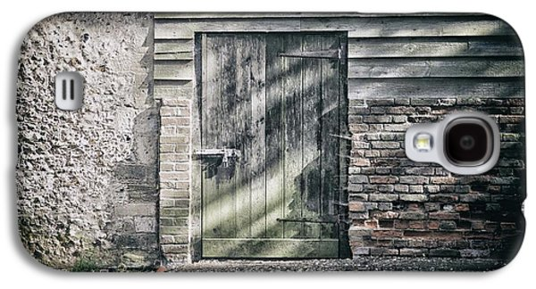 Behind The Door Galaxy S4 Case by Martin Newman