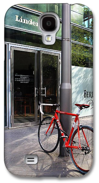 Berlin Street View With Red Bike Galaxy S4 Case