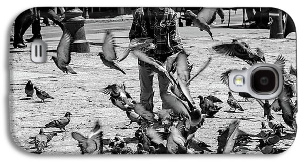Black And White Of Boy Feeding Pigeons In Sarajevo, Bosnia And Herzegovina  Galaxy S4 Case