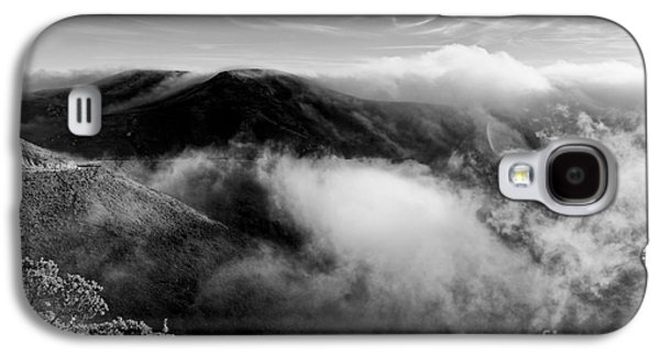 Black And White Photograph Of Fog Rising In The Marin Headlands - Sausalito Marin County California Galaxy S4 Case by Silvio Ligutti