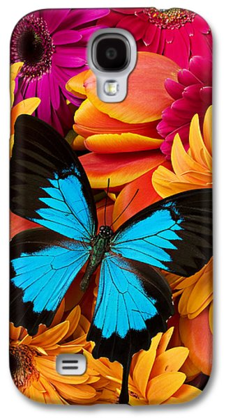 Blue Butterfly On Brightly Colored Flowers Galaxy S4 Case by Garry Gay