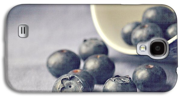 Galaxy S4 Case - Bowl Of Blueberries by Lyn Randle