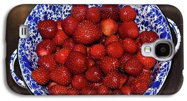 Bowl Of Strawberries 1 Galaxy S4 Case by Douglas Barnett