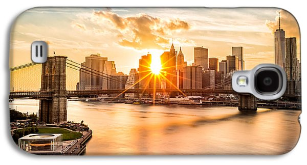 Brooklyn Bridge And The Lower Manhattan Skyline At Sunset Galaxy S4 Case