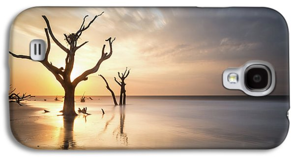 Bull Galaxy S4 Case - Bulls Island Sunrise by Ivo Kerssemakers