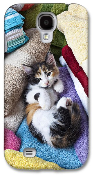 Calico Kitten On Towels Galaxy S4 Case by Garry Gay