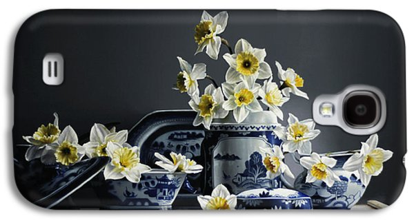 Canton With Daffodils Galaxy S4 Case by Larry Preston