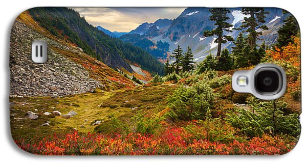 Cascade Pass Fall Galaxy S4 Case by Inge Johnsson