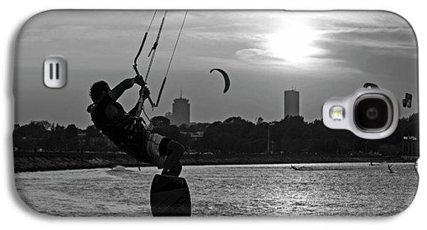 Castle Island Kite Boarder Boston Ma Sunset Black And White Galaxy S4 Case by Toby McGuire