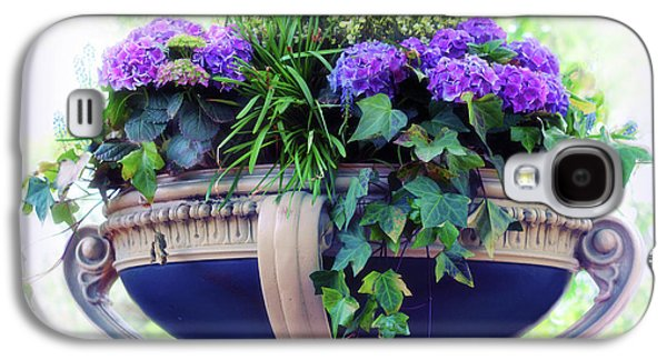 Galaxy S4 Case featuring the photograph Central Park Planter by Jessica Jenney