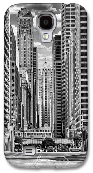 Galaxy S4 Case featuring the photograph Chicago Lasalle Street Black And White by Christopher Arndt
