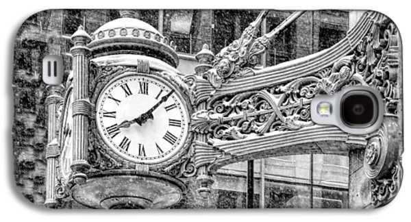 Galaxy S4 Case featuring the photograph Chicago Marshall Field State Street Clock Black And White by Christopher Arndt