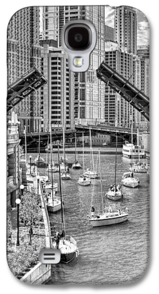 Galaxy S4 Case featuring the photograph Chicago River Boat Migration In Black And White by Christopher Arndt