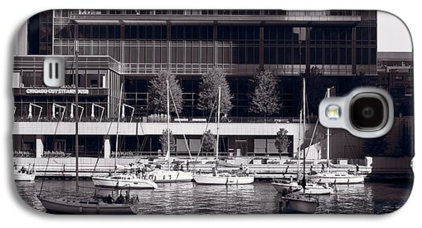 Chicago River Galaxy S4 Cases - Chicago River Boats BW Galaxy S4 Case by Steve Gadomski
