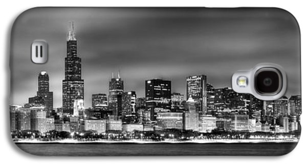 Lake Michigan Galaxy S4 Case - Chicago Skyline At Night Black And White by Jon Holiday