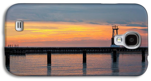 Galaxy S4 Case featuring the photograph Chicago Sunrise At North Ave. Beach by Adam Romanowicz