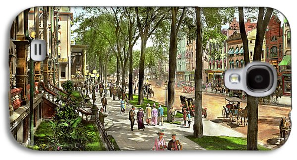 City - Saratoga Ny -  I Would Love To Be On Broadway 1915 Galaxy S4 Case by Mike Savad