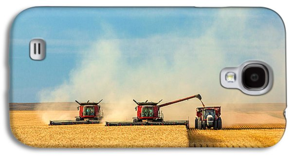 Combines And Tractor Working Together Galaxy S4 Case by Todd Klassy