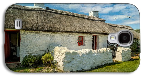 Cottage In Wales Galaxy S4 Case by Adrian Evans