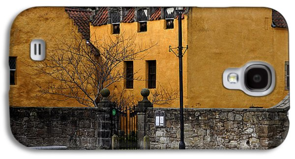 Galaxy S4 Case featuring the photograph Culross by Jeremy Lavender Photography