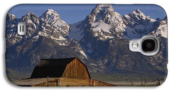 Mountain Photographs Galaxy S4 Cases - Cunningham Cabin In Front Of Grand Galaxy S4 Case by Pete Oxford