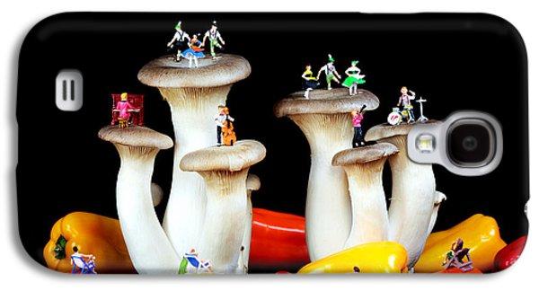 Mushroom Digital Art Galaxy S4 Cases - Dancing show on mushroom Galaxy S4 Case by Paul Ge