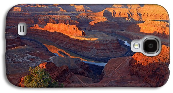 Daybreak At Dead Horse Point. Galaxy S4 Case by Johnny Adolphson