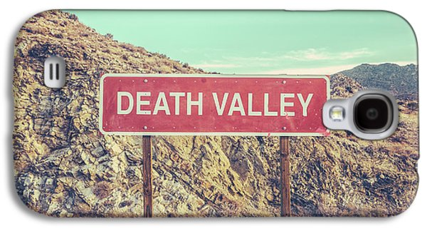 Mountain Galaxy S4 Case - Death Valley Sign by Mr Doomits