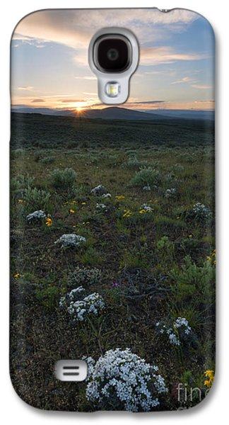 Desert Sunset Galaxy S4 Case - Desert Sunburst by Mike Dawson