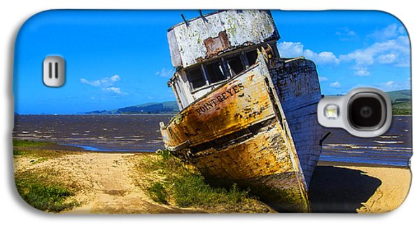 Deserted Beached Boat Galaxy S4 Case by Garry Gay