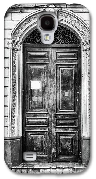 Doors Of Cuba Green Door Bw Galaxy S4 Case by Wayne Moran