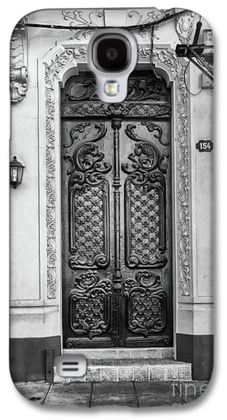 Doors Of Cuba Yellow Door Bw Galaxy S4 Case by Wayne Moran