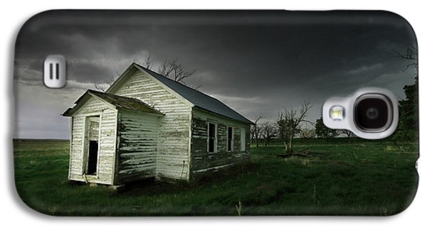 Down At The Schoolyard Galaxy S4 Case by Brian Gustafson