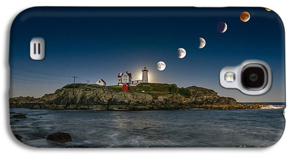 Eclipsing The Nubble Galaxy S4 Case by Scott Thorp