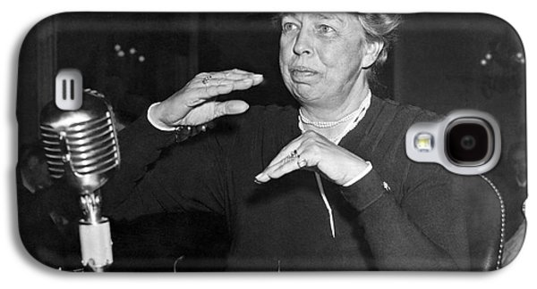 Eleanor Roosevelt At Hearing Galaxy S4 Case by Underwood Archives