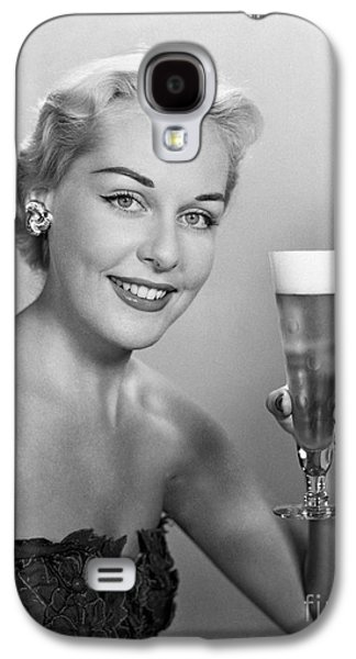 Elegant Woman With Beer, C.1950s Galaxy S4 Case by H. Armstrong Roberts/ClassicStock