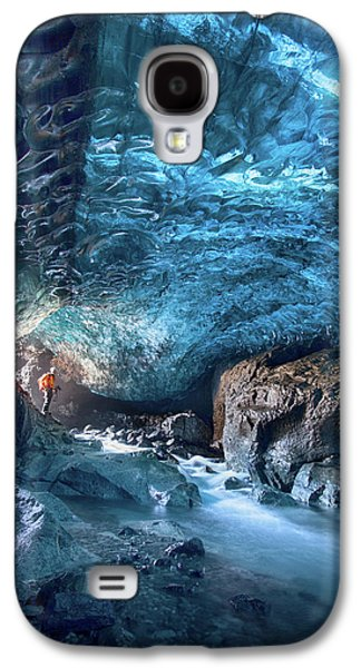 Caves Galaxy S4 Case - Entering The Ice Cave by Peter Svoboda