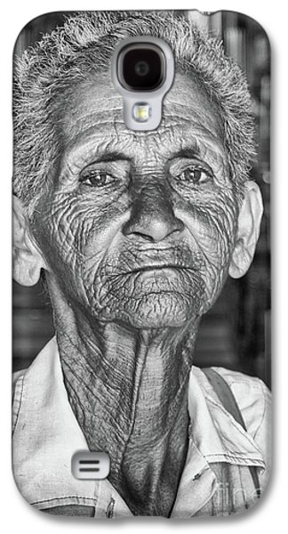 Faces Of Cuba The Woman In Need Galaxy S4 Case by Wayne Moran