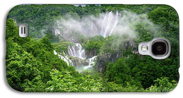 Falls Through The Fog - Plitvice Lakes National Park Croatia Galaxy S4 Case
